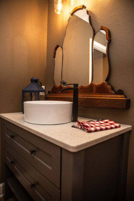 Bathroom Americana | Property Revision
